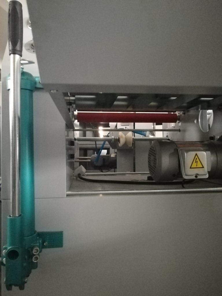 Digi-hydraulic laminator- handle bar
